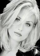 Lezlie Deane